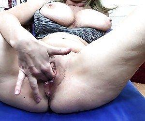 Mature Masturbation Tube